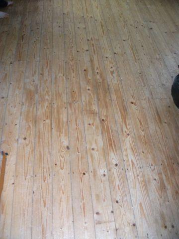 Laminate flooring wood laminate flooring in bathroom for Robina laminate flooring